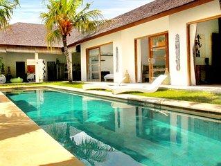 Villa Louise Bali - 400m de la page de Sanur - Grande Piscine