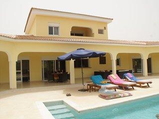 Superbe villa moderne de haut standing magnifique piscine à Ngaparou + voiture