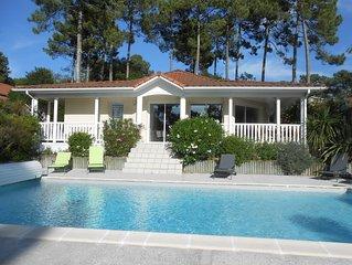Villa 3 chambres, piscine privée chauffée, wifi, quartier résidentiel