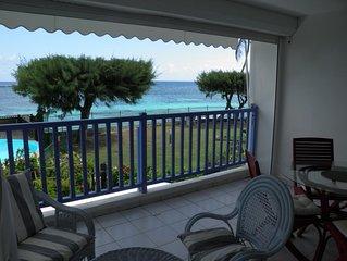 Très bel F2 face à la mer, accès direct plage de Sainte-Anne, piscine, tennis
