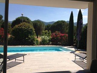 villa moderne près de la mer , face au massif des Albères, à coté de l'Espagne
