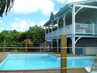 Villa Ferry Deshaies  vue mer caraïbe  piscine plage 350m 8 adultes, 2 bébés.