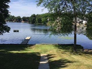 LITTLE BLUE BUNGALOW (Horseshoe Lake) Gowen, MI: WIFI-Clean-Pet Friendly, alquiler de vacaciones en Gowen