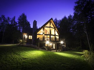 Large Custom Log Home. Spacious, family-friendly and close to Sunday River
