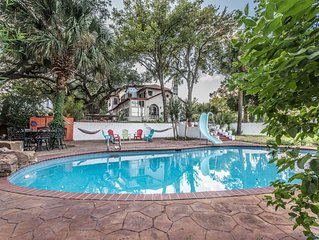 Casa Cozumel Estate with pool & optional guesthouse -- 5 miles from downtown SA