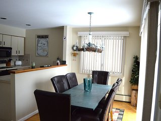 Cozy & comfortable 2 bed 2 bath  from Mt. Mansfield! Sleeps Six