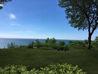 Private Lakefront Cottage w/ Stunning Lake Michigan Views & Gorgeous Sunsets!