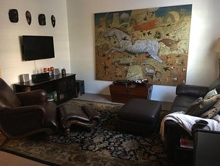 Beautiful 3 Bdr 2.5 BA townhouse in the most desirable part of Valencia w/pool +