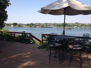 Amazing relaxing get-away home on the Snake River with river view and boat dock.