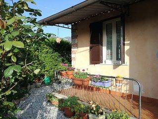 Graziosa casa colonica immersa nella verde  campagna della Versilia