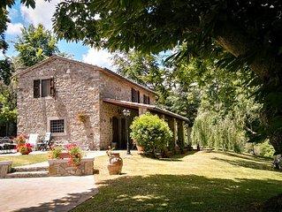 Villa toscana in pietra con piscina privata