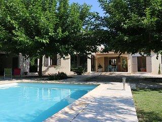 Superbe villa proche Avignon 4 chambres piscine grand jardin