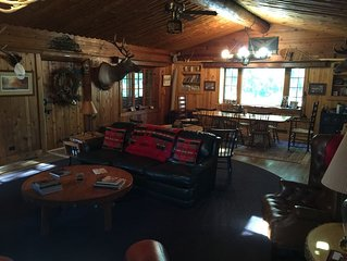 Fishing/Hunting/Relaxing Cabin located less than a mile from Chase Bridge