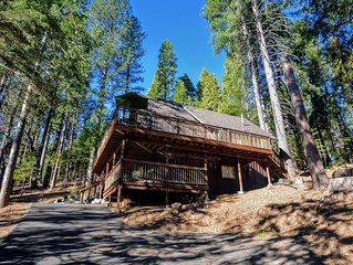 Welcome to Brown Bear Hideaway, peaceful and cozy in Blue Lake Springs.