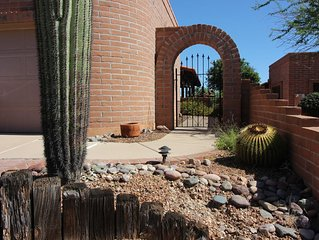 Beautifully appointed Townhome in Green Valley AZ