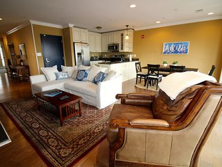 Beautiful 1 Bedroom Apartment with Private Waterfront Roof Deck