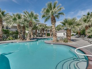 Green Valley | Las Palmas | Condo Near Pool and Park. Great Getaway!