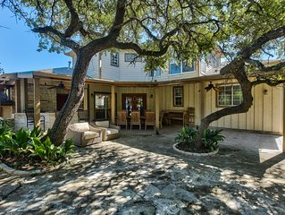 Beautiful home in Southwest Austin approximatley 15 mins from downtown
