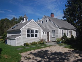 Casual & Spacious Cape centrally located in Mattapoisett