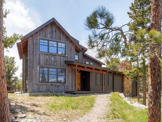 Mountain Retreat Home On 40 Private Acres - Adjacent  RMNP