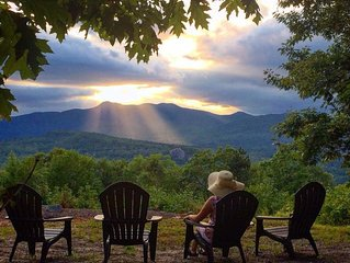 Breathtaking Panoramic Views of the Mountain Range! Best Sunsets, Sleeps 11!