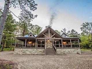 Choctaw Wind - 3 Bedroom Lodge (Sleeps 10,High-End Design,Shuffle Board,Hot Tub)