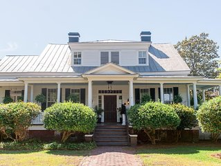 Southern Charm In Historic Downtown