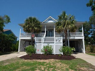 Sleeps 14!  Open Floor Plan, Extremely Clean Home. Only 2 Blocks to the Beach!