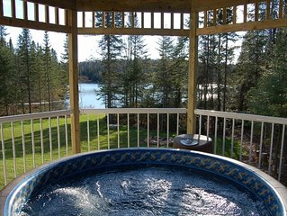 SANDY LAKE - DISCOUNT Lakefront 4 Bdrm, Hot Tub, Pet Friendly, Sleeps 15