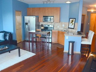 Downtown Atlanta Condo...near everything!!