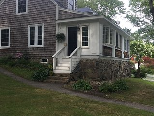 Charming 2BR just up the hill from York Harbor Beach!