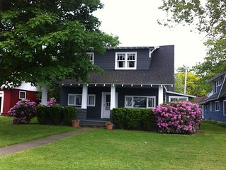 Fabulous lakefront cottages in Maple Springs!