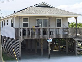 Comfortable cottage between the beach road & bypass in Kill Devil Hills, NC
