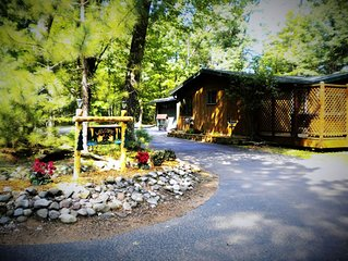 A secluded home great access to Lake Content , bike trails & yet close to town