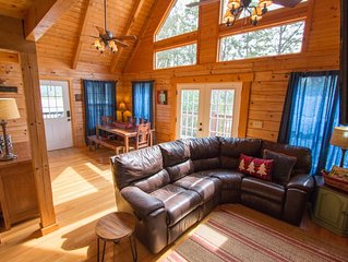 Lake Front Cabin. Great For Boating, Fishing  And Family Time