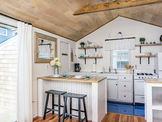 Adorable studio cottage in West Yarmouth