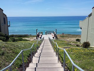 Steps from beach! Sleeps 9! 4 Br, 3 Bth w/ 2 Master Suites!