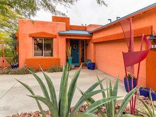 BEAUTIFUL AND COMFY! Mountain View/Pool/Cafe Near Saguaro National Park