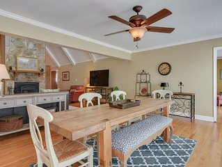 Beautiful Home on Horse Farm, Bring horses or your friends - close to golf too!
