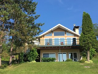 Cottage on exclusive Rheault Bay on Lake of the Woods, minutes from Kenora