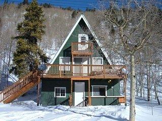 House, 3 bedrooms + Loft, 2 baths (Sleeps 8)  10 min. to Monarch Ski Area