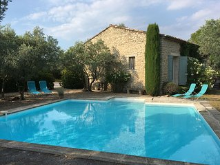 Charming Villa with Shaded Terrace, Pool and Luberon View