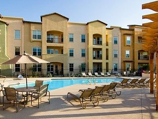 Rustic 2 Bedroom Condo minutes away from the Arizona Lifestyle.
