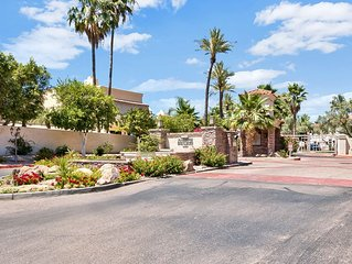 Updated 2 Bedroom Pool-View Condo In Gated Scottsdale Ranch