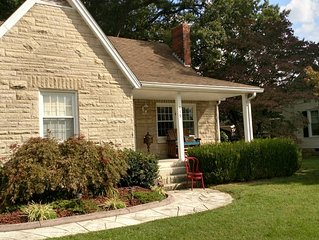 Nice house great back yard patio room.Close to town and Restaurants bars..