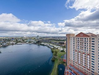 2 Bedroom Resort Condo at Highrise Walking distance to UNIVERSAL