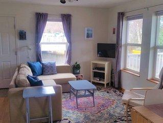 Cozy & Convenient 2BR/1BA Downtown Apartment