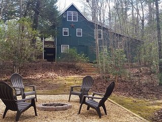 Peaceful Rustic All Wood Cabin Just 1 Mile from Lake Rabun Boat Ramp and Beach