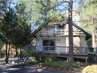 Mountain Delight in Blue Lake Springs! Two Bedrooms and One Large Loft!