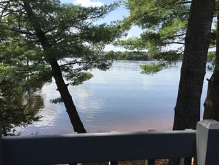 On Lake Delton With Amazing Views, Outdoor/Indoor Pools, Kiddy Pool, 2 Beaches
